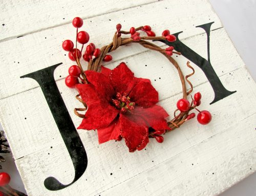 Holiday Decor with free cut file!